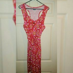 Pre w vibrant Pink Red and White sleeveless dress